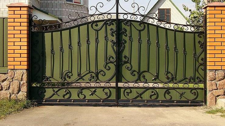 пример кованых ворот