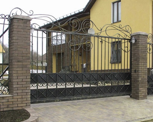 откатные кованые ворота  идеальное сочетание