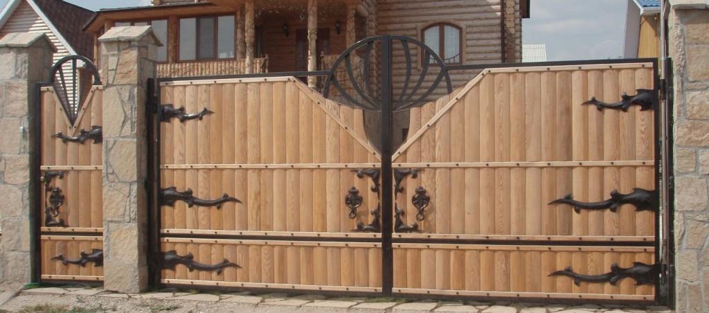 Распашные деревянные ворота своими руками фото